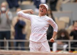 Poland rejoices after Swiatek's French Open victory
