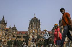 India: Mumbai's millions get their power back after massive outage