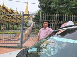 Taxi driver 'not afraid of virus' makes pagoda pilgrimage