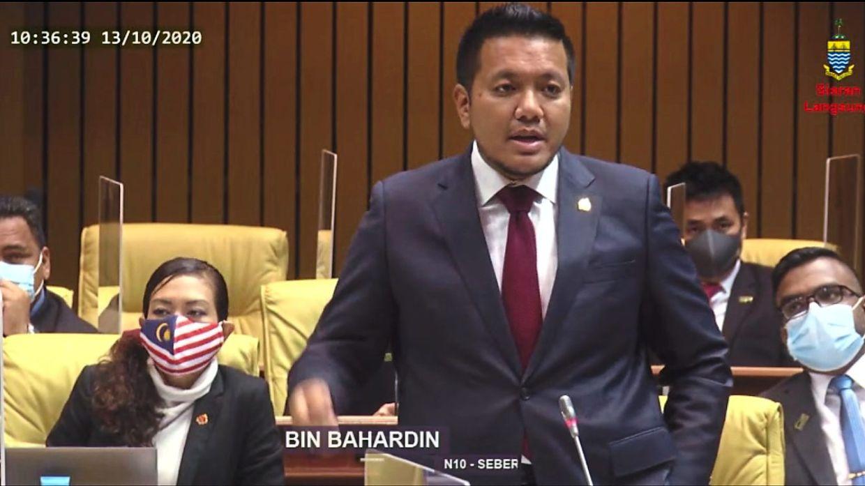 A screengrab of Dr Afif rising to defend Muhamad Yusoff at the state assembly sitting at Dewan Sri Pinang, Penang.