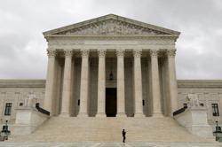 Trump takes bid to shield his tax returns back to U.S. Supreme Court