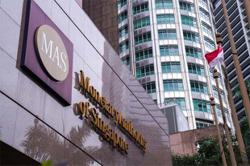 Singapore central bank holds monetary policy