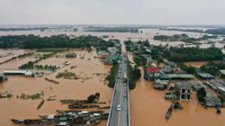 40 dead, 8 missing in central Vietnam floods and landslides