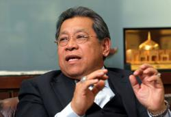 Prorogue Parliament and form unity government, urges former speaker Pandikar