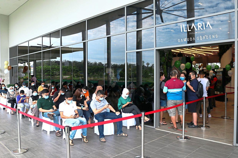 Prospective buyers were seen queuing up since 8.30am.