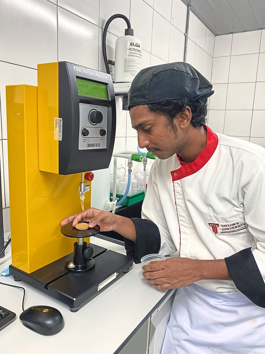Kartthi is not anxious about his future as he knows there are jobs available for culinary arts students in food production companies. — KARTTHIGEEN TAMISELVAN