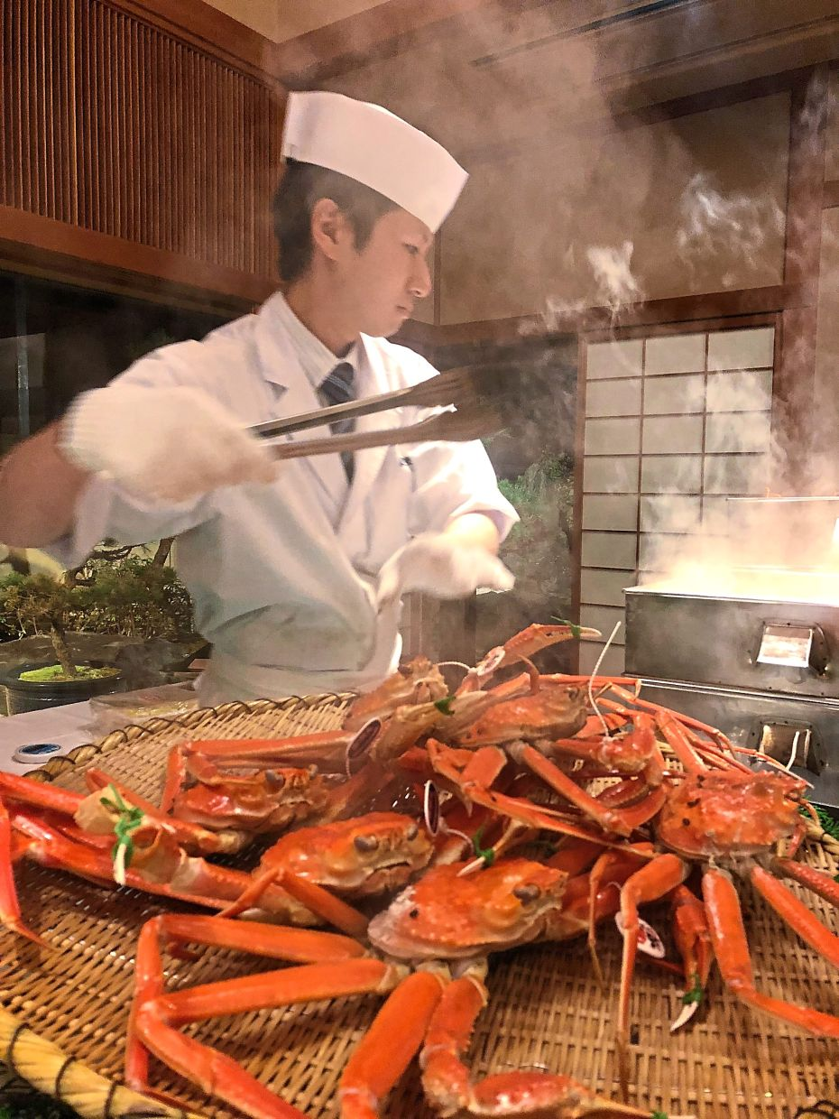 Have you ever had the most expensive and delicious crab in Japan, the echizen gani? It is only available in autumn.