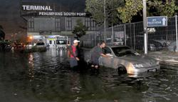 Selangor escapes high tides with little flooding