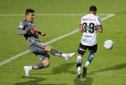 Santos move up Serie A with 2-1 win over Coritiba