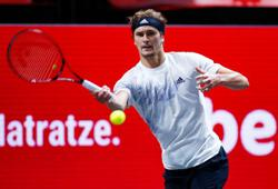 Zverev dominates Auger-Aliassime to win indoor title in Cologne