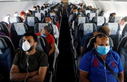 'Bad math': Airlines' COVID safety analysis challenged by expert