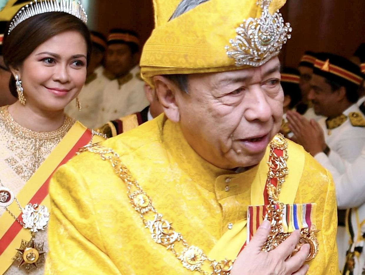 Selangor Sultan expresses disappointment over endless political turmoil in the country | The Star