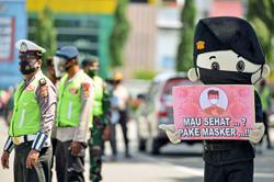 Jokowi warns not to rush vaccines