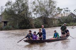 Philippines, Vietnam brace for tropical storm Saudel