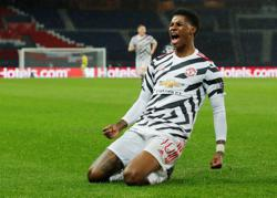 Rashford strikes late as United sink PSG again