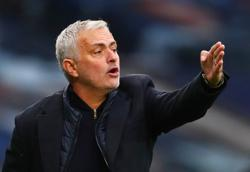 Mourinho rubbishes 'Spursy' tag despite West Ham collapse