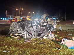 Driver killed in KK flyover crash