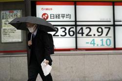 Asian shares rise after last Trump-Biden debate