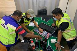 PJ cops bust private party, 10 arrested