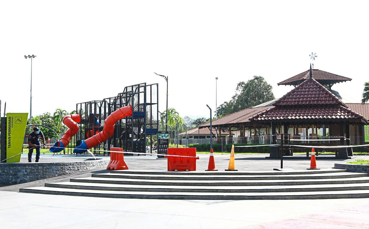 Visitors cannot use playgrounds and exercise equipment at 17 parks under DBKL's management. Only activities such as walking, jogging, cycling and hiking are allowed.