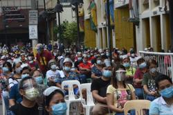 Filipinos brace for party-less Christmas amid Covid-19 pandemic; total now at 367,819