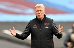 Moyes delighted by West Ham's defensive display against Man City
