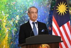 Ministers believed to be gathering at PM's house