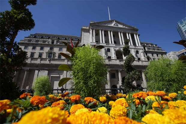 "The Bank of England (BoE) and commercial banks are ""bartering\"" a deal to allow banks to make shareholder payouts as long as their loss-absorbing capital buffers are strong and they continue to extend credit to the real economy, the newspaper said."