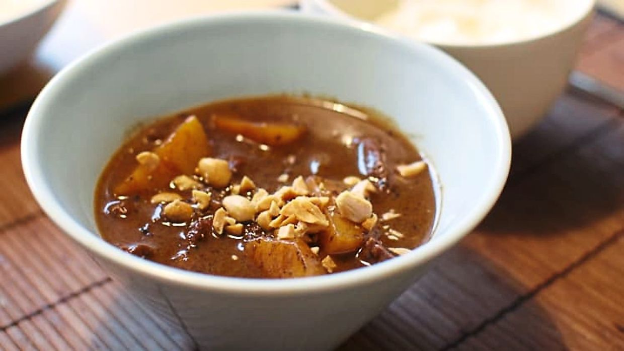 Massaman curry tops the list of CNN's 50 best foods in the world.  Photo: AFP