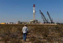 Oil drops 3% as virus infections, Libyan oil output rebound