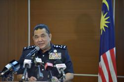 Man detained for insulting royalty via Twitter, three other cases being investigated