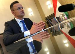 Hungarian minister says Ukraine's entry ban order is 'pathetic and nonsense'