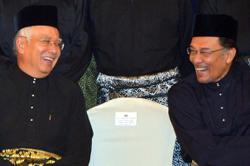 Umno leaders reject Bossku's attempt to work with Anwar