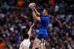 Italy hold out hopes of upset win over England