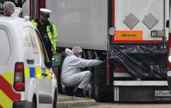 UK lorry driver took 23 minutes to raise alarm over 39 dead Vietnamese migrants