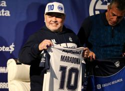 Maradona self-isolating at home due to COVID-19 risk - report
