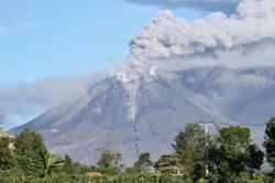 Mt. Sinabung erupts again, spews 2,000-meter-high volcanic ash clouds