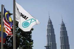Petronas checks platform after Topaz incident