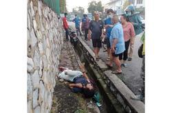 Snatch thief rides into drain after grabbing handbag in Seri Kembangan