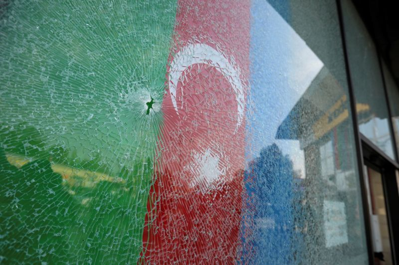 Armenia, Azerbaijan agree to defuse Nagorno-Karabakh conflict