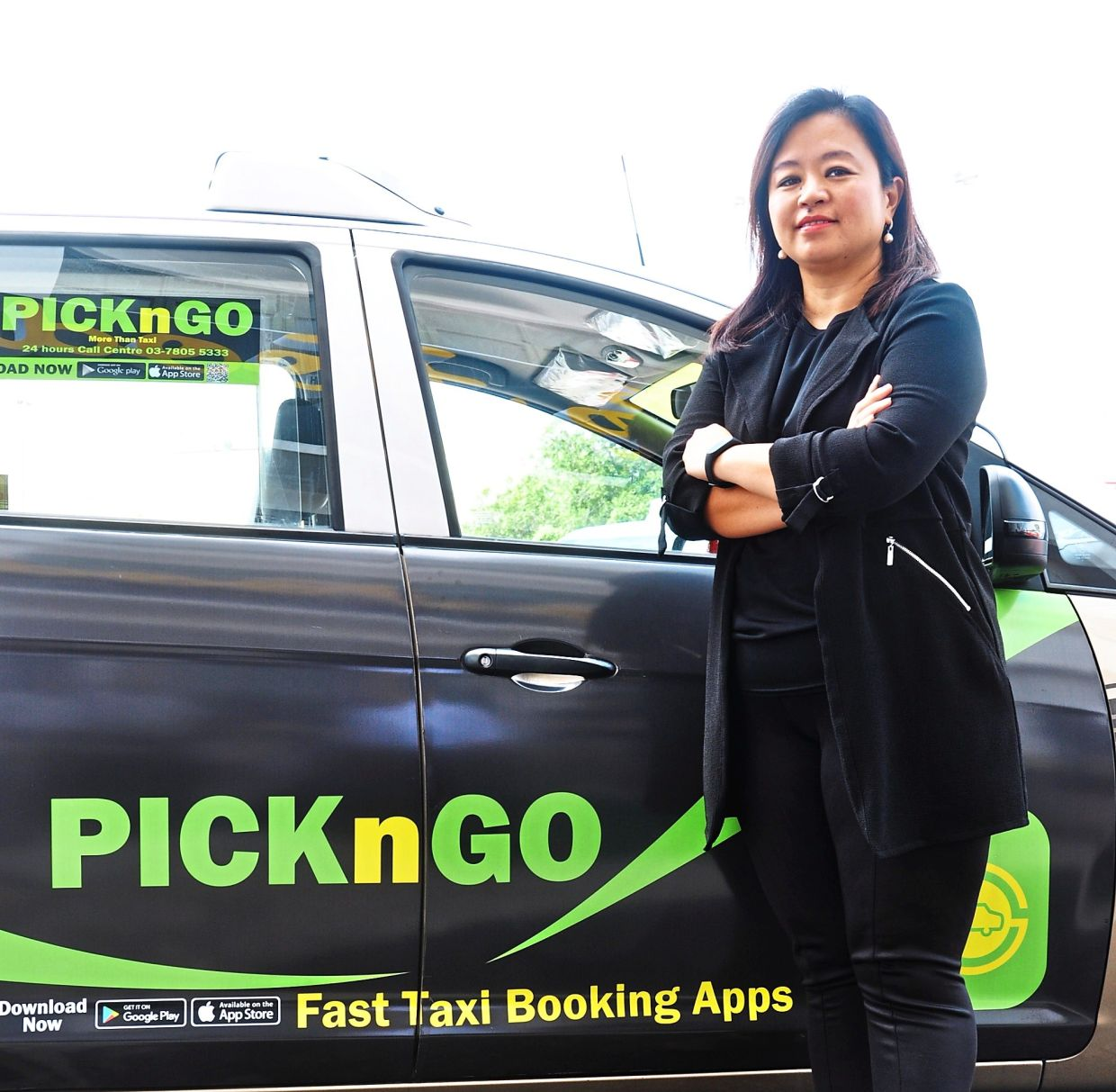 Valerie is helping taxi drivers by giving them the opportunity to deliver frozen food, groceries, flowers, parcels and food.