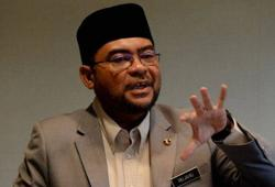 Mujahid leaves Bukit Aman after almost two hours