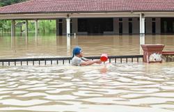 Hulu Langat, Seremban hit by floods