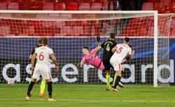 Sevilla overcome two-goal deficit and red card to beat Krasnodar