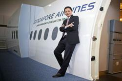 Singapore Airlines seeks liquidity after record loss