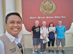 Malaysian tourist guides take on security guard, e-hailing jobs amid Covid-19