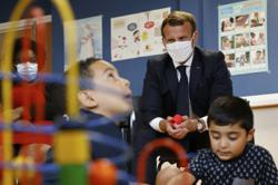 France to double paternity leave