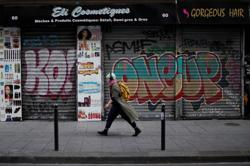 In Autumn in Paris, struggling shops get creative to survive