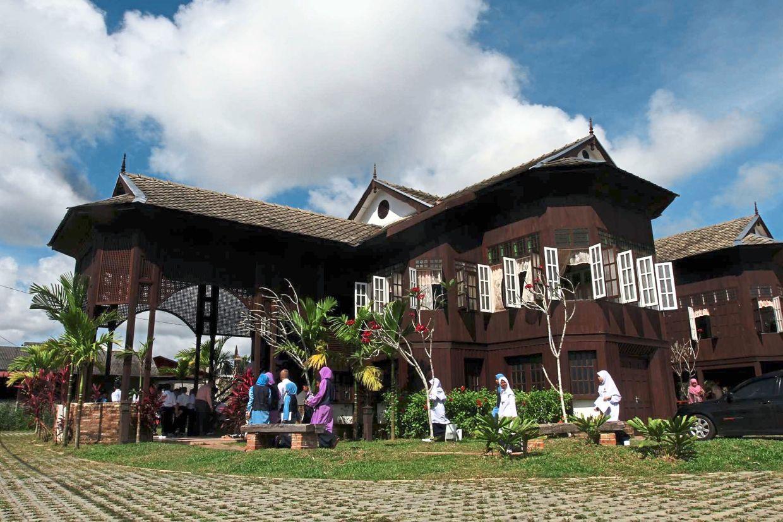 The refurbished Haji Su Heritage House in Kampung Losong Haji Su, Kuala Terengganu, is a well-known tourist attraction. — Filepic