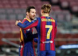 Barca's Koeman defends Messi, denies Griezmann issues
